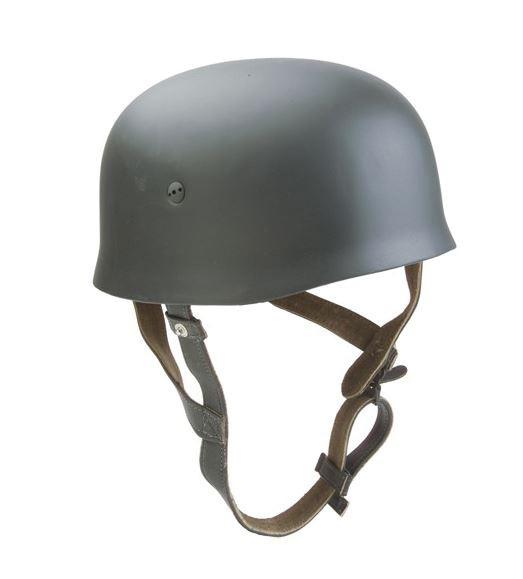 Deutscher Stahlhelm Fallschirmjäger